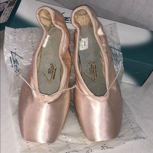 LEO's Inspiration 3/4 Pointe Ballet Shoes W: B #53